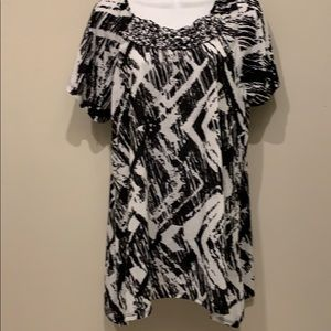 Polyester black and white blouse